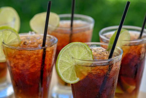 rum and diet soda | healthy cocktails